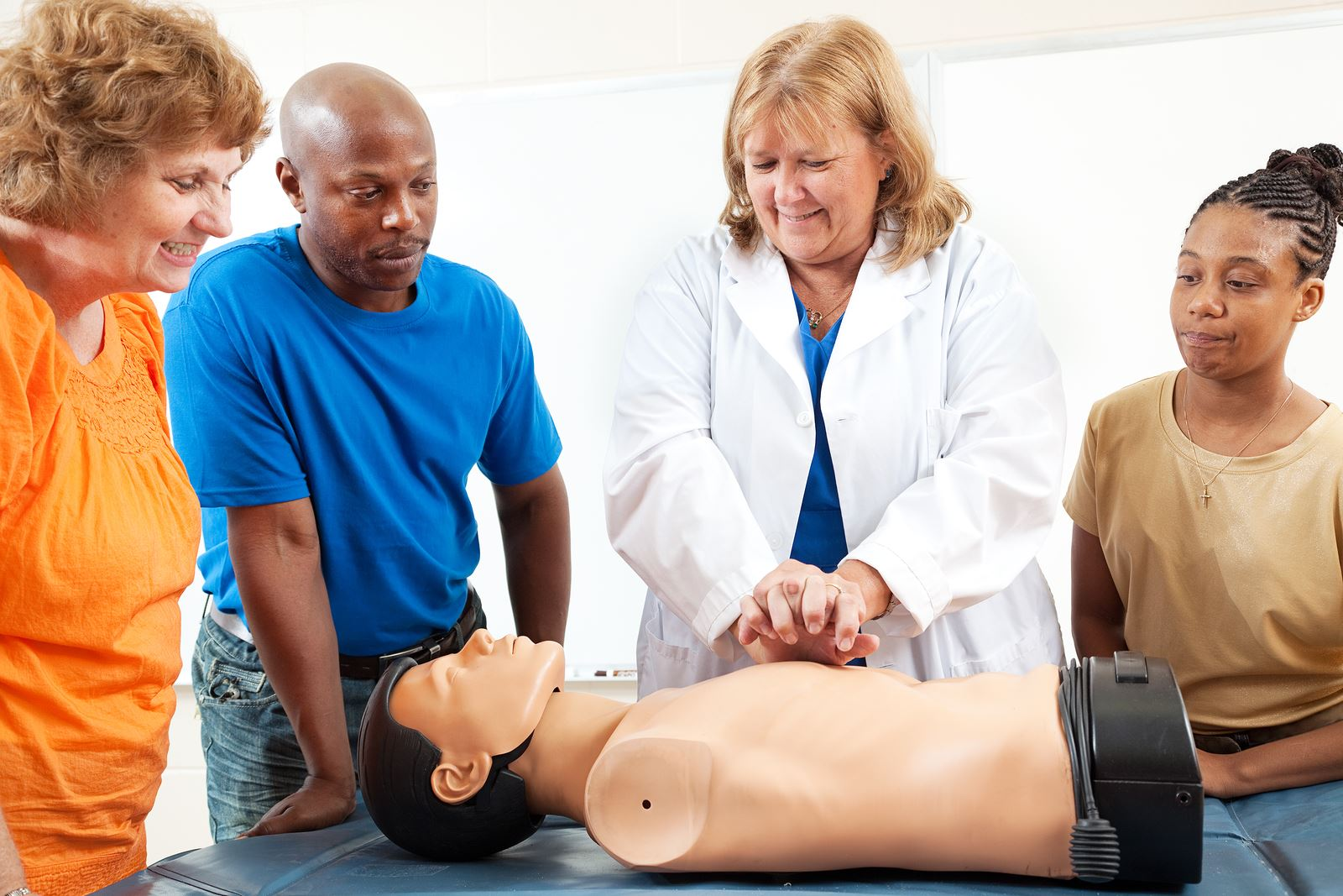 A-group-of-adult-education-students learning CPR